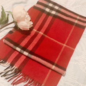 Authentic very new Buberry scarf